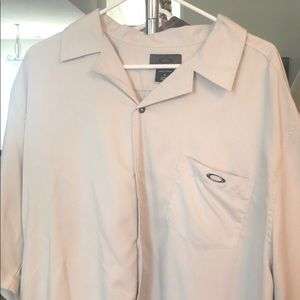 Men's Oakley casual button up shirt